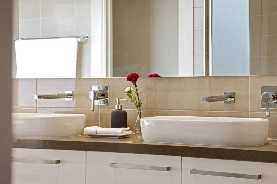 home-staging-bathroom-adelaide-home-edition.jpg